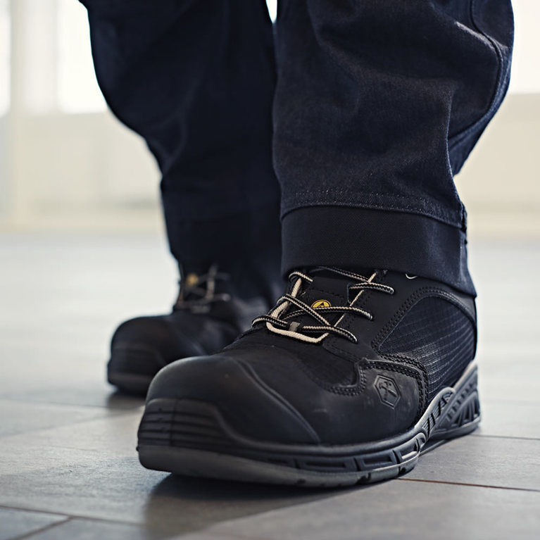 Mens Safety Shoes & Trainers